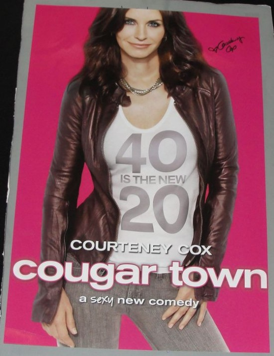 Courteney Cox cougar town signed poster