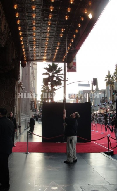 El Capitan theatre hollywood Blvd changing lightbulbs