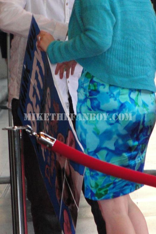 Betty White Golden Girls fan sign