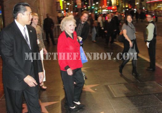 betty white legend golden girls leaving you again premiere