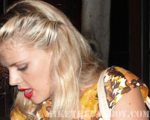 Busy Phillips Signed Autographs for fans Cougar Town