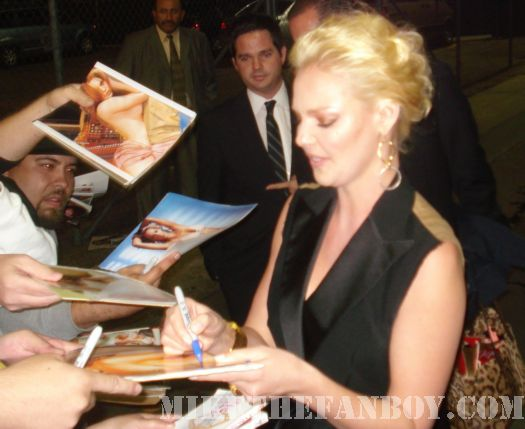 Katherine Heigl Signing Autographs for fans kimmel