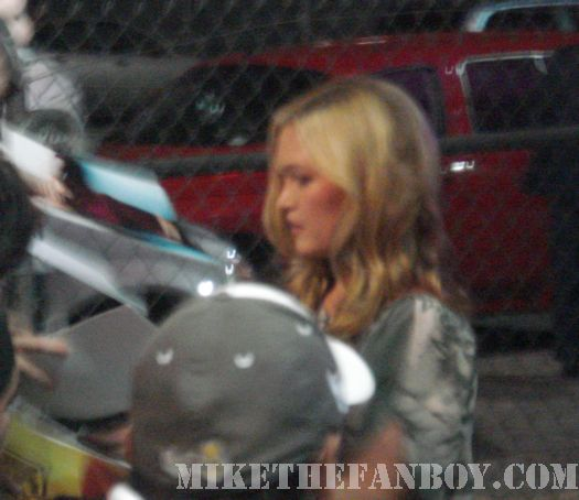 julia stiles signing autographs dexter 10 things I hate about you