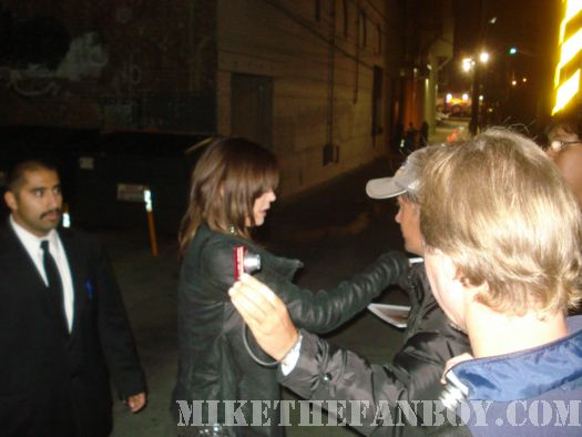 Teri hatcher signing autographs for fans desperate Housewives