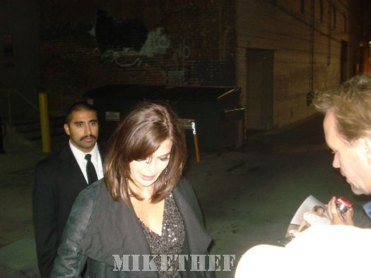 Teri hatcher from Desperate Housewives signing autographs