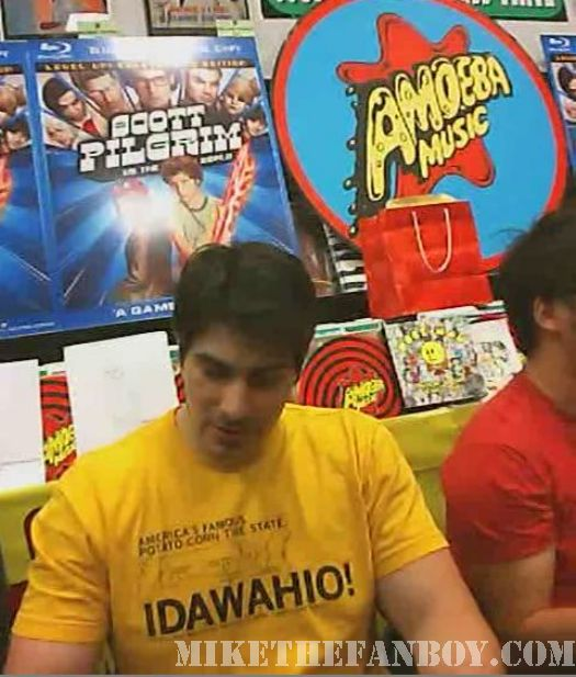 Scott Pilgrim Vs. The World DVD signing Brandon Routh Sexy Shirtless sweaty