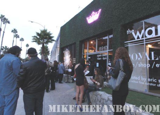 Tron Legacy Olivia Wilde Jeff Bridges Pop Up Shop Store Culver City CA
