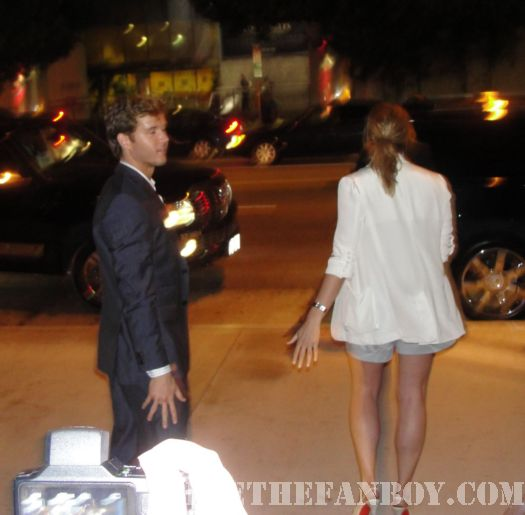 ryan kwanten signing autographs true blood season 3 premiere