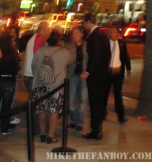 Alexander Skarsgård signing autographs for fans true blood season 3 premiere