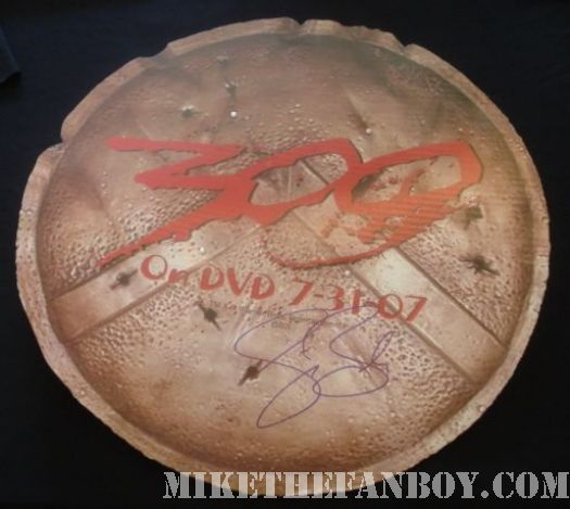 gerard butler 300 signed san diego comic con shield
