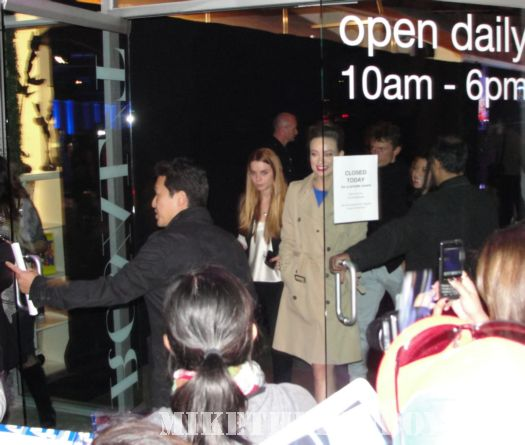 Olivia Wilde Tron Legacy Star Leaving the Pop Up shop culver city ca