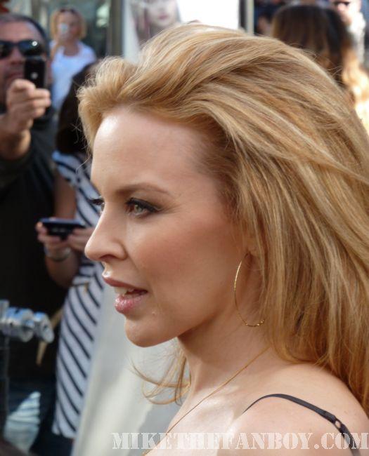 Kylie Minogue Aphrodite Sexy Mario Lopez Extra The Grove Autograph