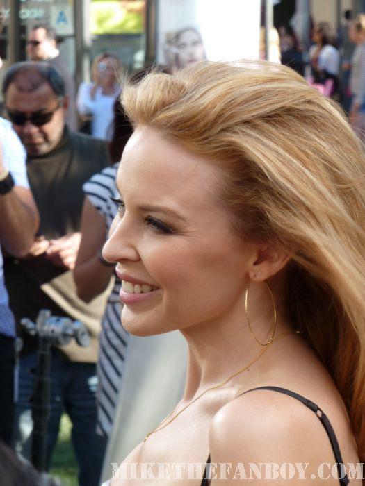 Kylie Minogue Extra Mario Lopez Grove Sexy hot Stunning Aphrodite