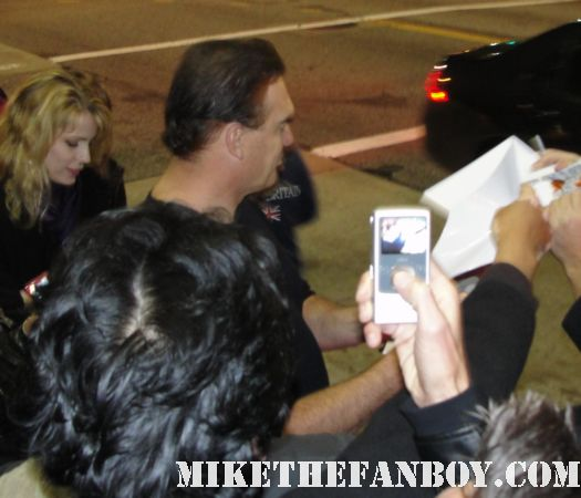 Patrick Warburton from the tick scream 3 seinfeld family guy signing autographs for fans