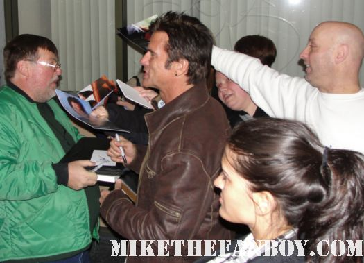 Lorenzo Lamas falcon crest renegade hotel shirtless sexy signing autographs for fans naked