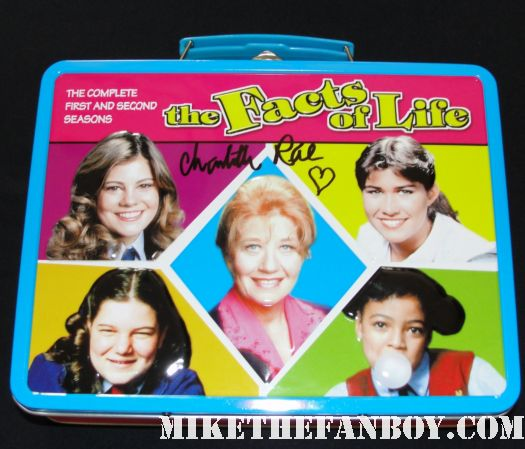 facts of life season 1 promo dvd lunchbox charlotte rare hand signed autograph season 6 nancy mckeon kim fields mindy cohen facts of life down under