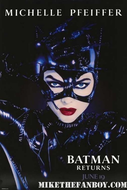 christopher nolan announces catwoman selina kylie anne hathaway michelle pfeiffer