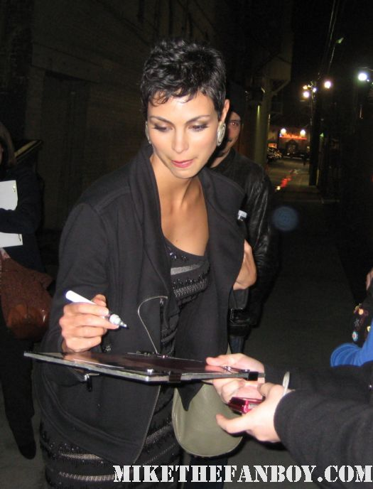 Morena Baccarin joss whedon firefly signs autographs signed dvd firefly inara v anna sexy hot rare