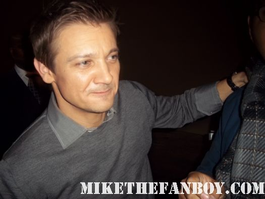 jeremy renner the town the hurt locker signed autograph hawkeye avengers sexy shirtless rare gay
