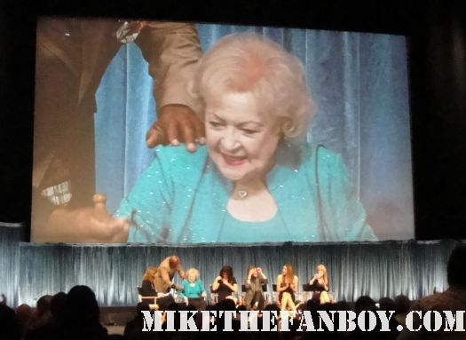 The Cast of Hot In Cleveland with Wendie Malick Betty White Valerie Bertinelli and Jane Leeves paleyfest 2011 signed autograph rare paley photo golden girls