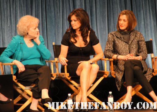 The Cast of Hot In Cleveland with Wendie Malick Betty White Valerie Bertinelli and Jane Leeves paley center signed autograph rare 2011 golden girls frasier one day at a time just shoot me
