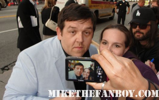 nick frost and simon pegg signing autographs for fans at the paul premiere mini poster promo rare hot fuzz dvd star trek
