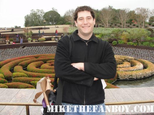 mike sametz mike the fanboy getty center museum los angeles waiting for tim curry sculpture garden rare poo log