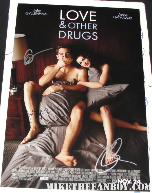 Jake Gyllenhaal anne hathaway naked in bed love and other drugs one sheet movie poster naked shirtless hairy chest signed autograph sexy fucking hot in bed rare promo