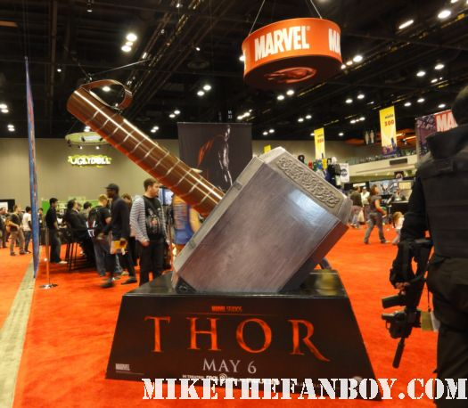Chicago Comic and Entertainment Expo...aka C2E2 2011 thor hammer promo display poster chris hemsworth hot sexy nice display marvel the avengers