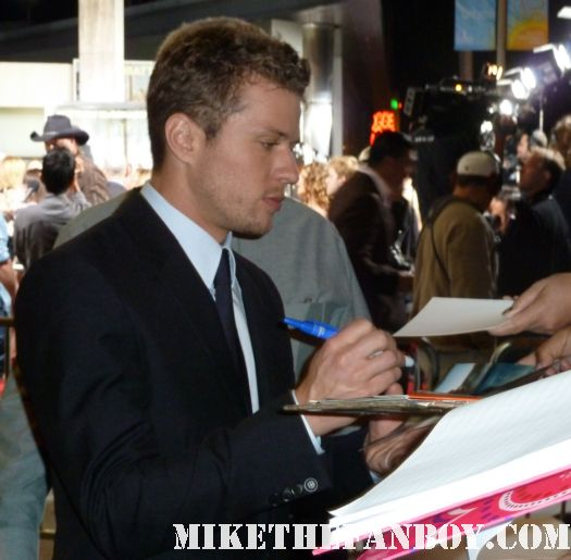 Ryan Phillippe lincoln lawyer men's health premiere suit signed autograph rare sexy hot 54 macgrueber celery