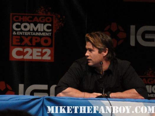 Chicago Comic and Entertainment Expo thor chris hemsworth sexy cabin in the woods hot blonde abs muscle rare