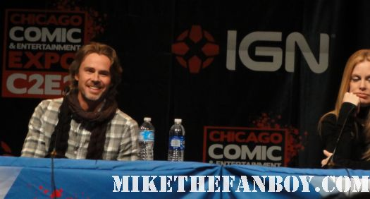 Sam Trammell kristen bauer pam  from true blood Sam Merlotte at c2e2 the chicago comic con 2011 rare hot scarf season 4 pam sexy hot convention san diego comic con 2011