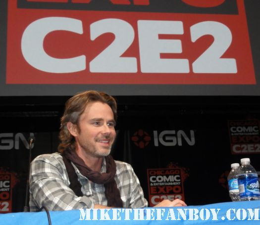 Sam Trammell kristen bauer pam  from true blood Sam Merlotte at c2e2 the chicago comic con 2011 rare hot scarf season 4 pam rare c2e2 san diego comic con 2011