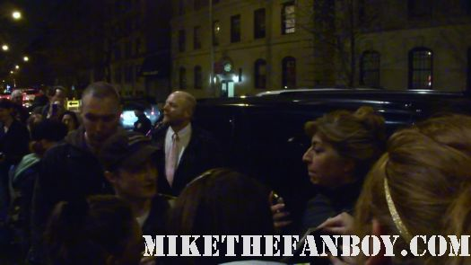 daniel radcliffe signes autographs stage door at how to succeed in business in new york city rare signed sexy hot rare fans