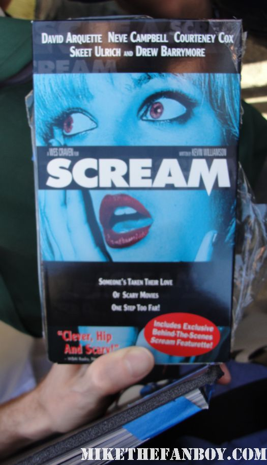 wes craven signed autograph VHS limited edition drew barrymore scream cover hot sexy rare promo