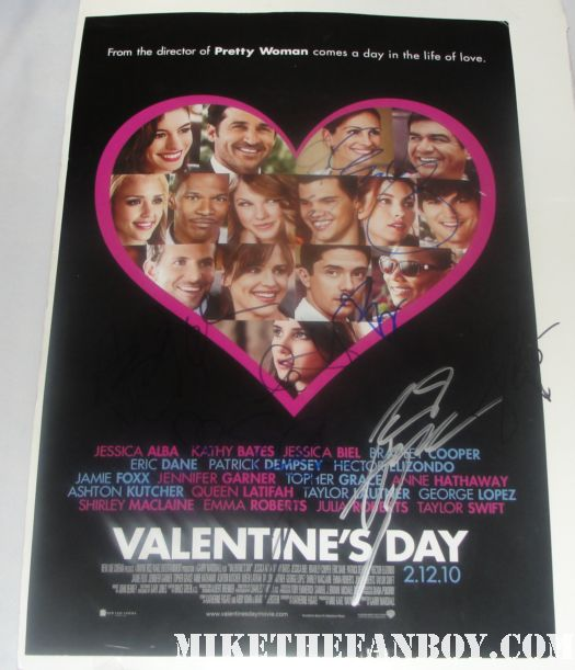 valentine's day signed autograph mini poster jamie foxx anne hathaway partick dempsey taylor lautner emma roberts
