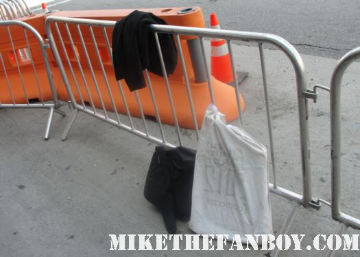 empty barricade at the Scream 4 premiere with courteney cox david arquette neve campbell rare sexy hot ghostface