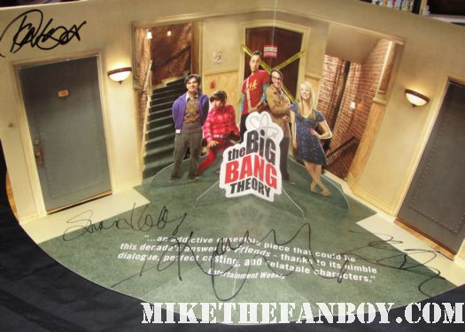 the big bang theory pop up diorama emmy dvd promo signed autograph jim parsons kunal nayyar kaley cucco johnny galecki simon helberg