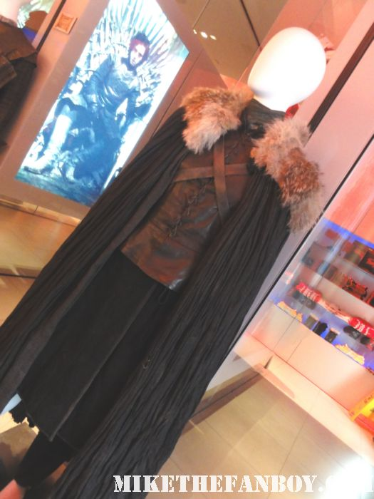 hbo game of thrones prop and costume display sean bean lena headey sarah connor hbo promo rare new york city