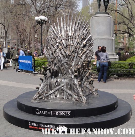 HBO's game of thrones prop and costume display rare sean bean new york city rare promo poster