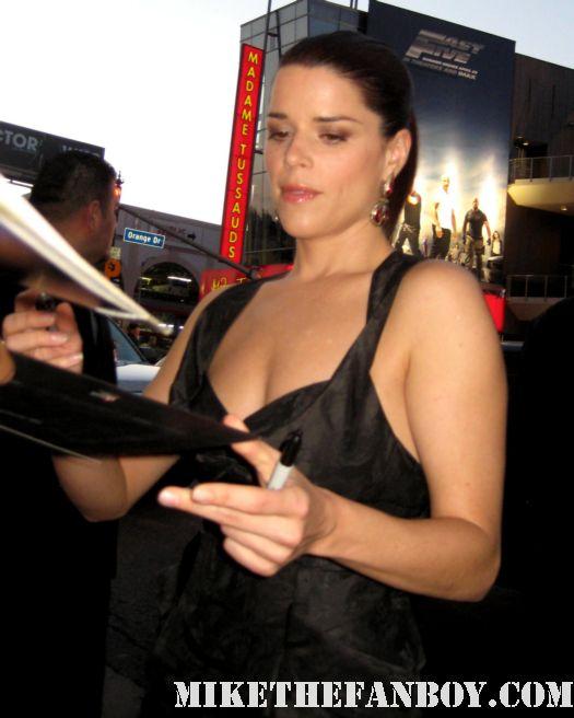 neve campbell sidney prescott signed autograph scream 4 scre4m los angeles world premeire the craft rare hot sexy party of five