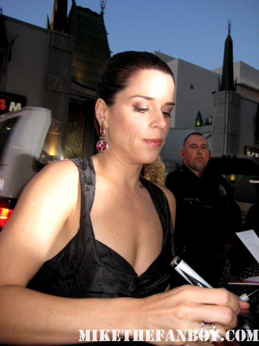 Neve Campbell sidney prescott signed autograph scream 4 scre4m los angeles world premiere rare hot the craft promo