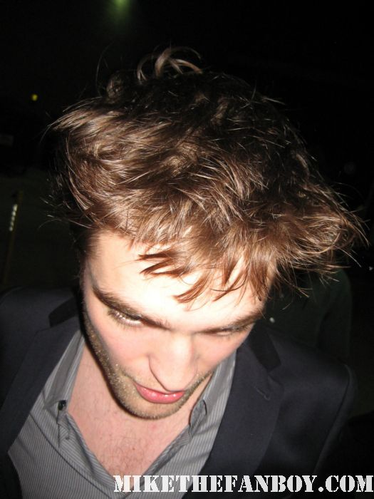 robert pattinson signing autographs for fans hot sexy rare promo twilight water for elephants promo sexy hot edward cullen
