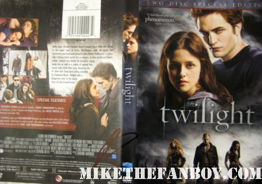 twilight signed autograph dvd cover edward cullen robert pattinson rob pattinson rare hot sexy black sharpie promo