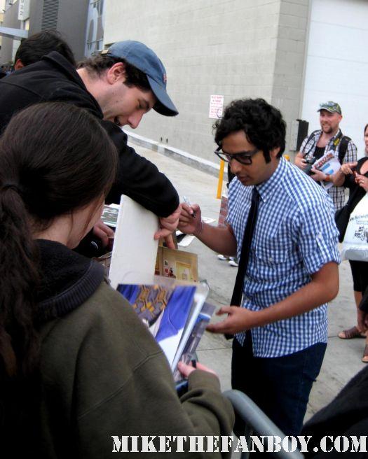 kunal nayyar signed autograph mike sametz mike the fanboy rare promo emmy diorama big bang theory promo poster season 4