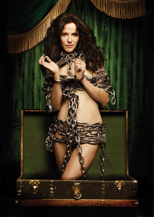 weeds season 7 rare promo teaser poster hot sexy mary louise parker in chains hot rare showtime promo teaser poster hot!