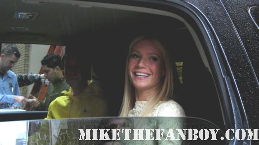 Gwyneth Paltrow Signing Her New Cookbook, My Father's Daughter in new york city with erica from Mike the fanboy signed autograph rare shakespeare in love view from the top