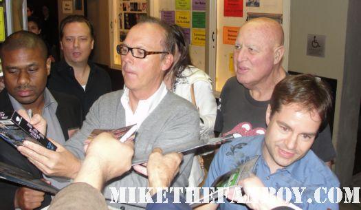 michael keaton signed autograph beetlejuice mini poster promo batman batman returns rare gung ho signature mr. mom now 2011 geena davis hot promo bruce wayne london the other guys