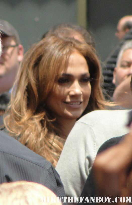jennifer lopez jlo jenny from the block stops to sign autographs for fans at simon fuller's walk of fame ceremony in hollywood rare rolling stone american idol hot sexy photo shoot rare promo damn fine