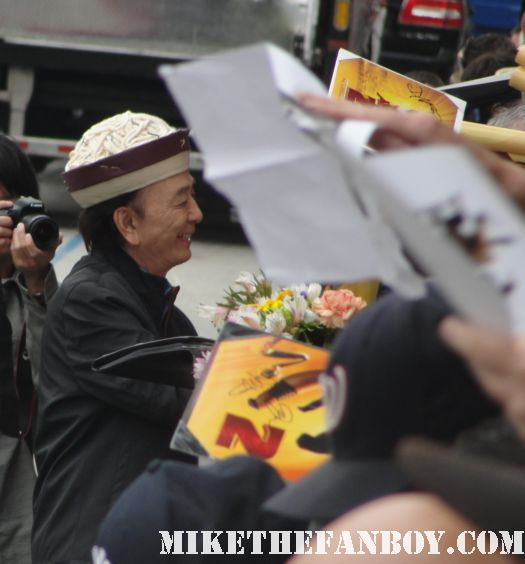 james hong seinfeld big trouble in little china rare promo mini poster kung fu panda 2 signing autographs at the los angeles premiere rare mini poster